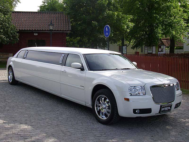 lincoln town car chrysler 300 hummer h2 h3 limoeurope ab. Black Bedroom Furniture Sets. Home Design Ideas